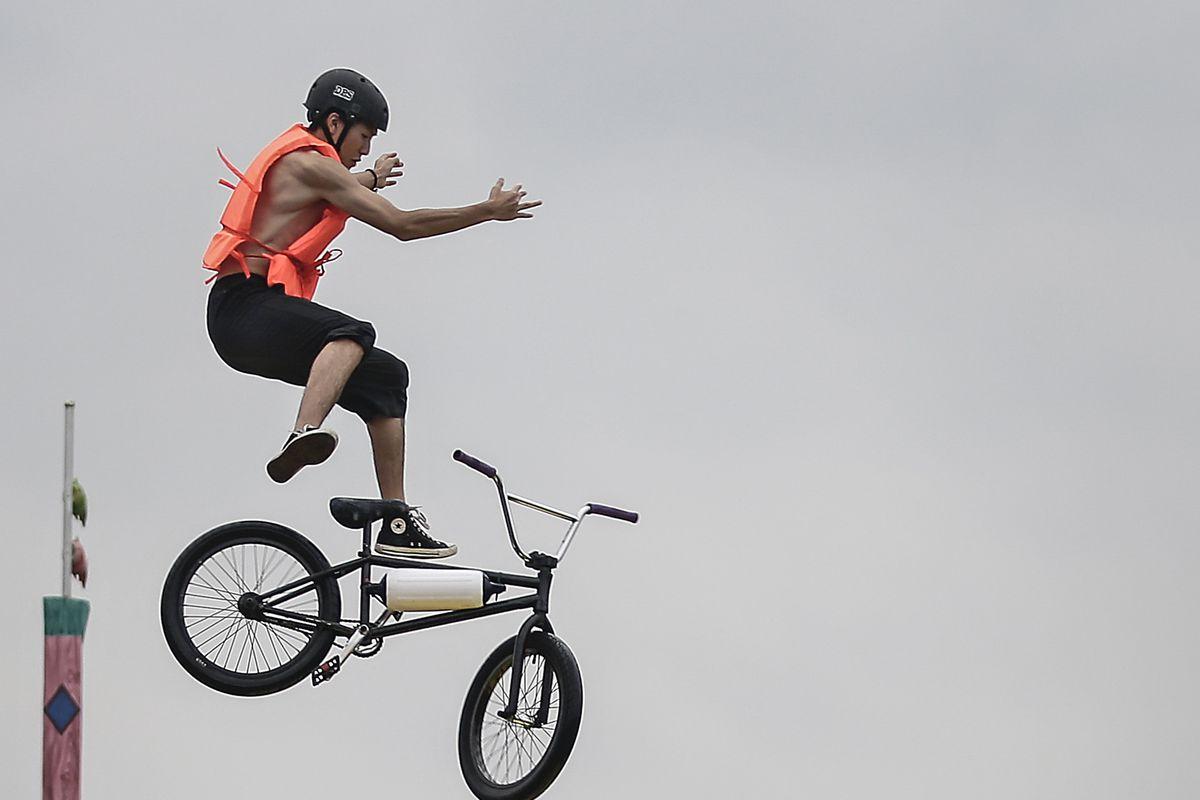 Wuhan Bike Lake Jump Festival