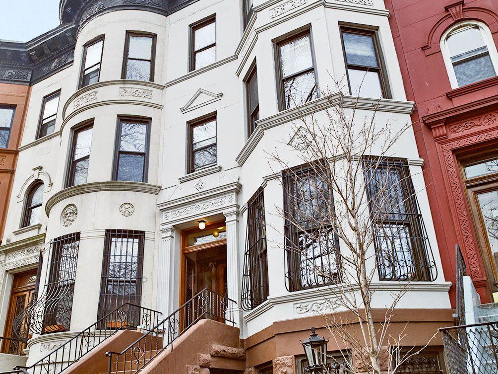 Season 30 - NYC house exterior