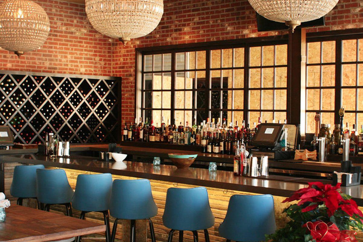 """<a href=""""http://dallas.eater.com/archives/2013/12/04/farmhouse-chic-at-trinity-groves-new-resto-gastro-bistro.php"""">Resto Gastro Bistro, Dallas</a>"""