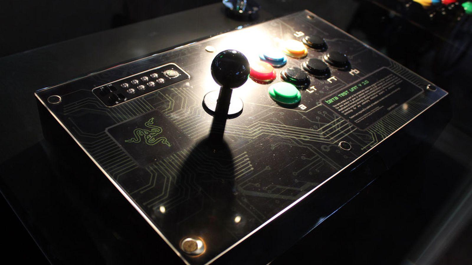 Razer arcade stick hands on a better joystick even in for Pre stick wallpaper