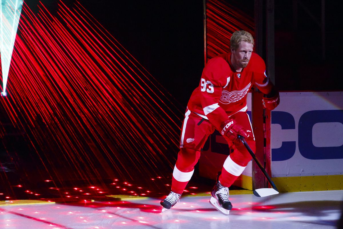 Despite attempts to return for next season, Franzen may see his career cut short because of concussions.