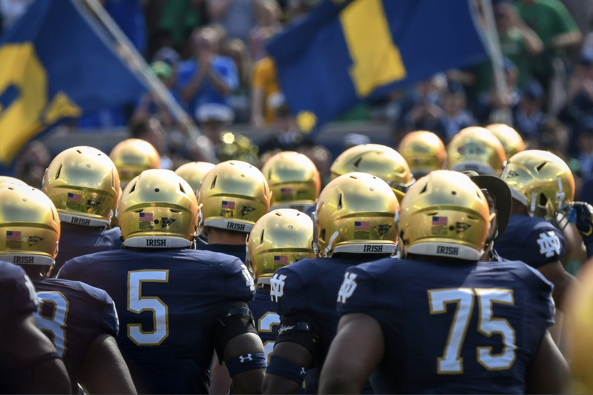 South Bend Limo, Book Notre Dame Limo, Transportation to Notre Dame, Limo to Indiana, Notre Dame Football Limo