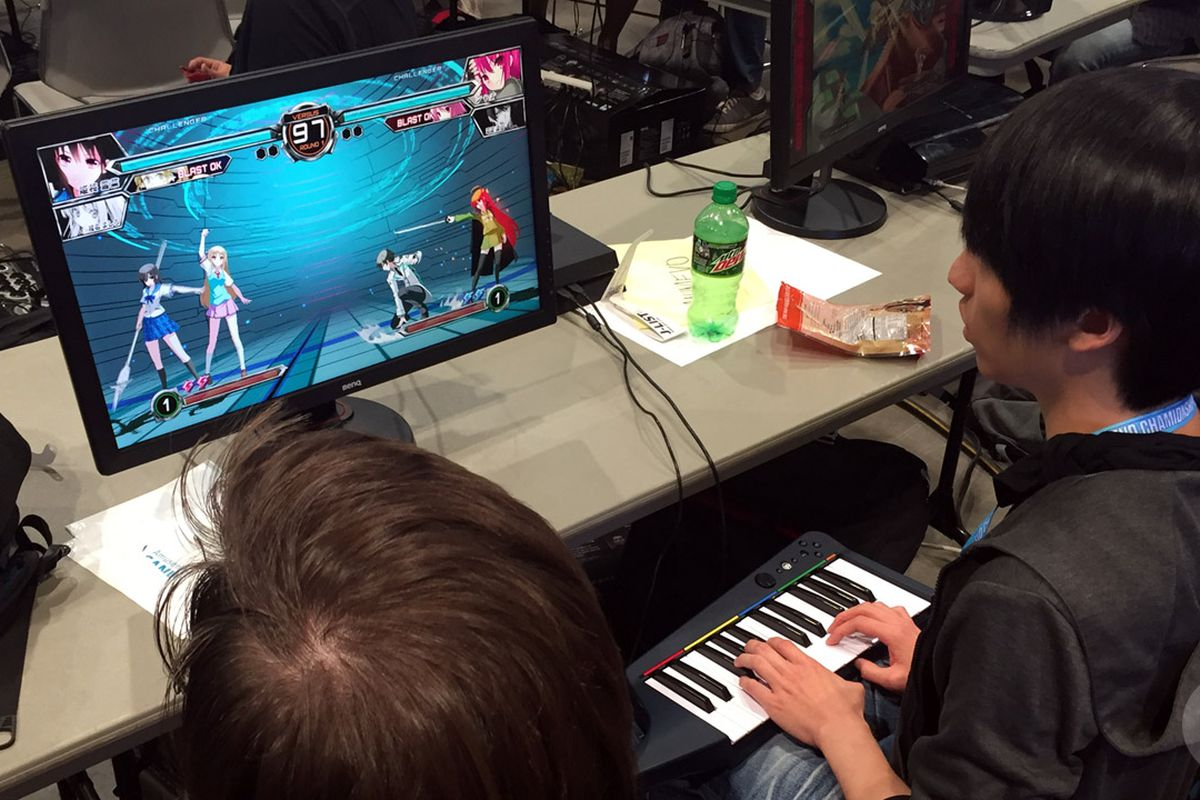 The Evo player who's fighting with a piano - Polygon