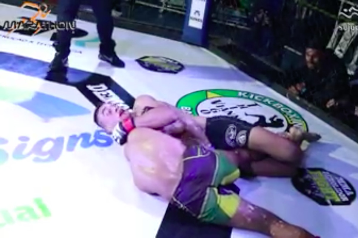 mma fighter melquizael costa was choked unconscious for 90 seconds