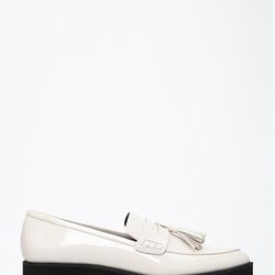 """Pointed Faux Patent Flatform Loafers, <a href=""""http://www.forever21.com/Product/Product.aspx?BR=f21&Category=shoes&ProductID=2000078055&VariantID="""">$29.90</a>"""