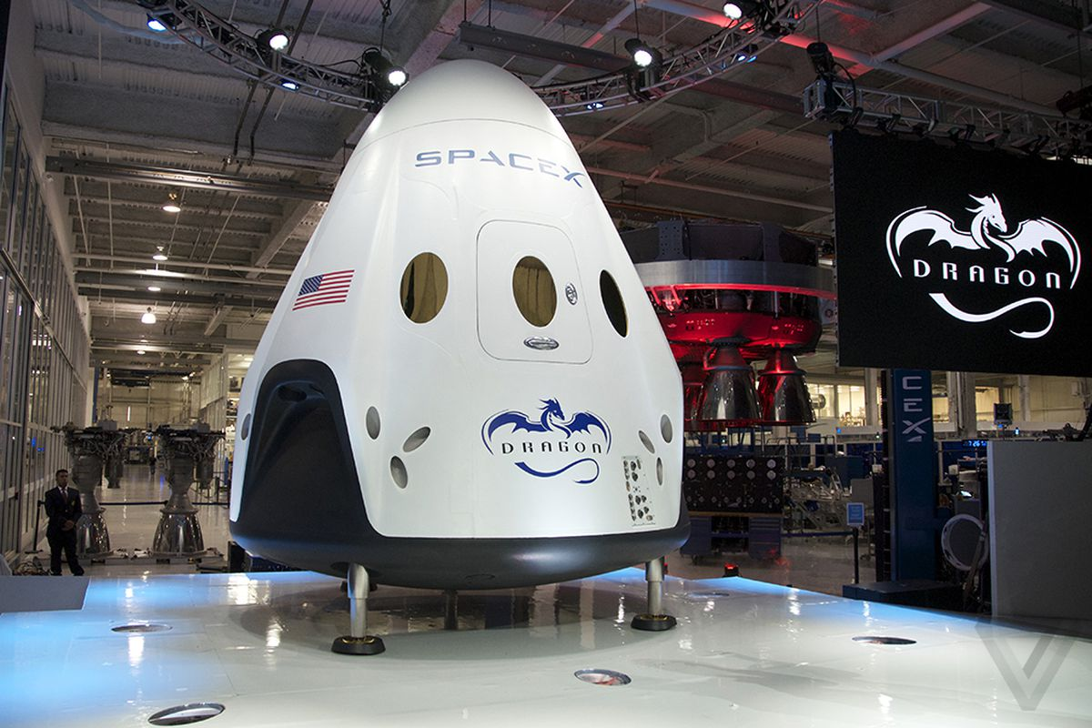 SpaceX Dragon V2 unveiling photos