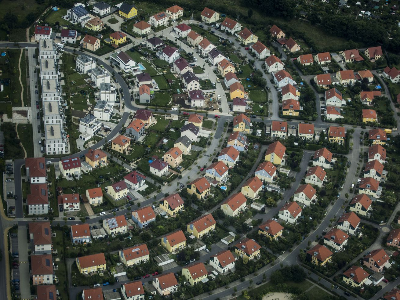An aerial photo of a housing estate in Dresden, Germany.