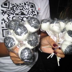 White chocolate covered lollipop brownies courtesy of ASOS and Teen Vogue