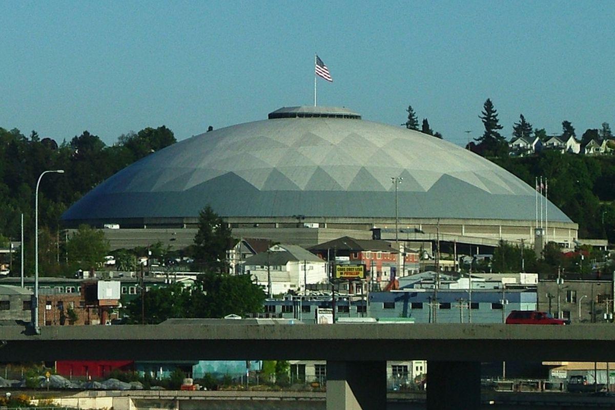 "via <a href=""http://upload.wikimedia.org/wikipedia/commons/e/ee/Tacoma_Dome.jpg"">upload.wikimedia.org</a>"