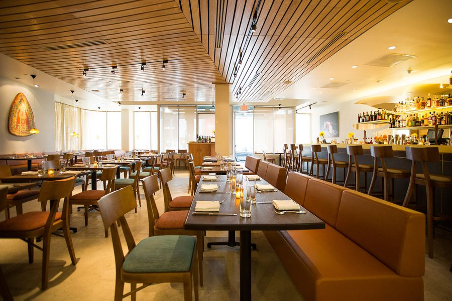 aestus a suave mid century modern dining room in the heart of santa monica - Midcentury Cafe 2015