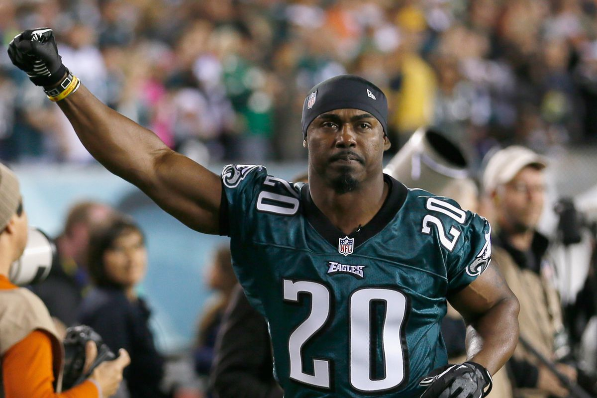 d3694316f7e Eagles News  Brian Dawkins explains why he loves Philadelphia fans ...