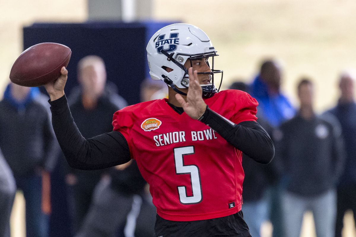 North quarterback Jordan Love of Utah State throws during Senior Bowl practice at University of South Alabama s Jaguar Football Practice Facility.