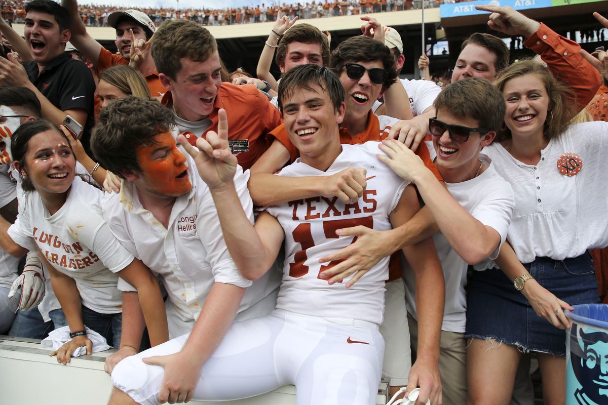 WATCH: Cameron Dicker nails 33-yard field goal to lift Texas to 50-48 win over Kansas
