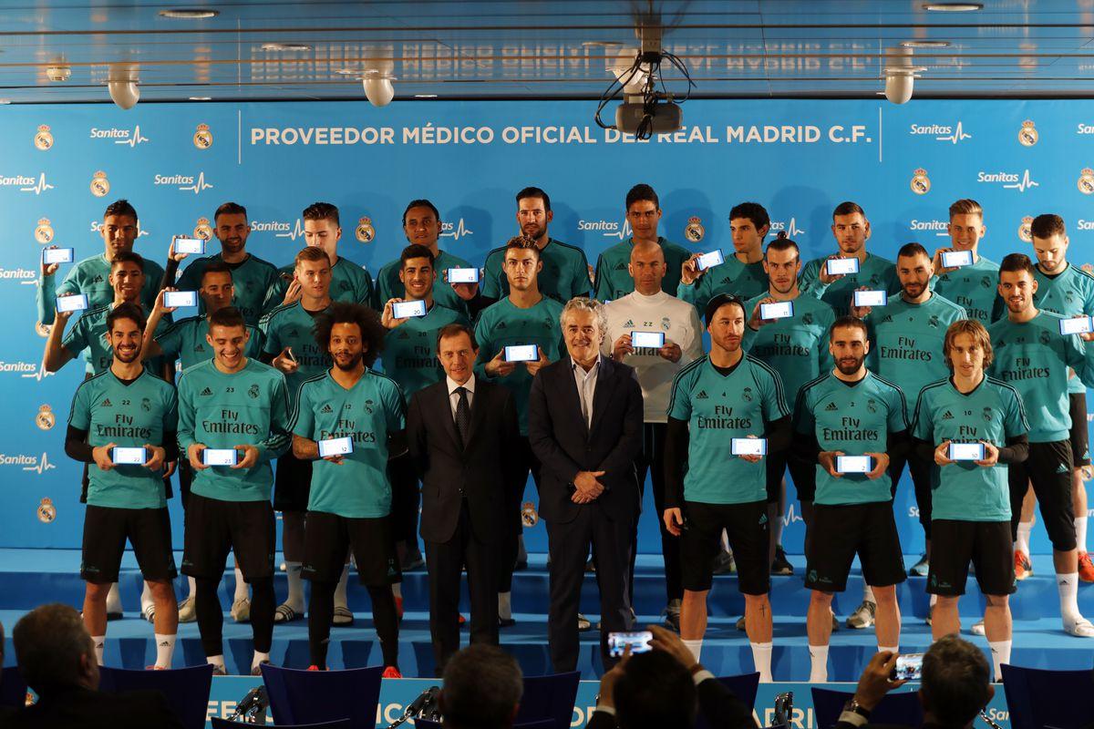Real Madrid Players Receive Sanitas Health Cards