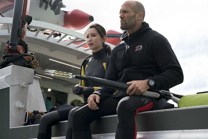Bingbing Li and Jason Statham in The Meg