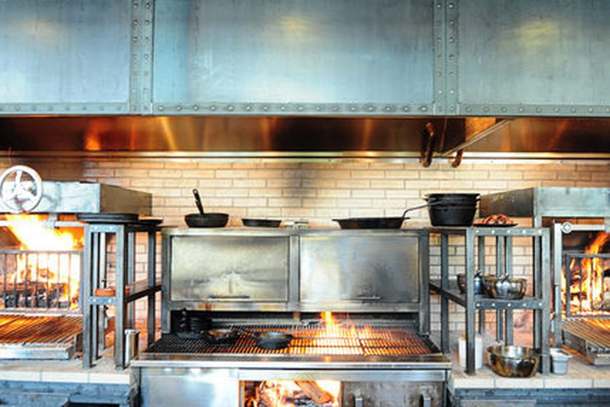 Esquire S List Of The Best New Restaurants 2017 Is Out And Ford Fry Newest Atlanta Spot King Duke One Them Slideshow Which Has Distilled