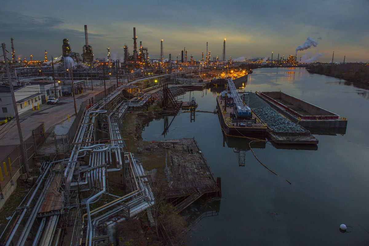 After refinery shutdown, what happens to the land? - Curbed Philly