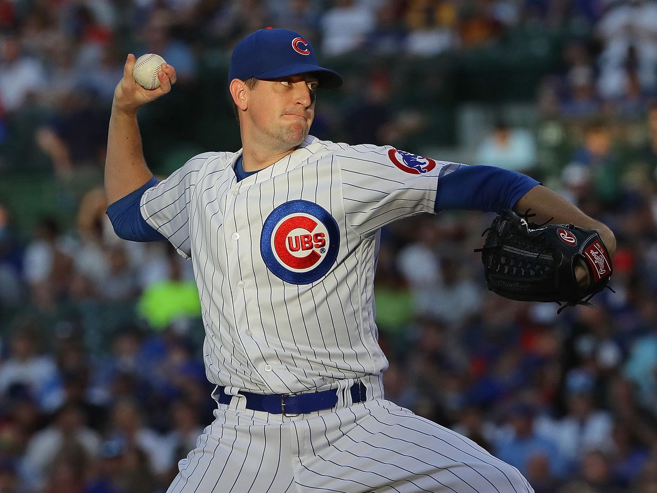 Kyle Hendricks keeps Cubs starters rolling, but bullpen, infield can't contain Reds in 7th, 8th