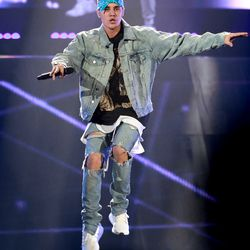 """The Heartthrob (2016): This Justin Bieber look (from the singer's """"Purpose"""" tour) is actually pretty similar to Timberlake's — just add one Tupac-inspired bandana, and they're basically identical."""