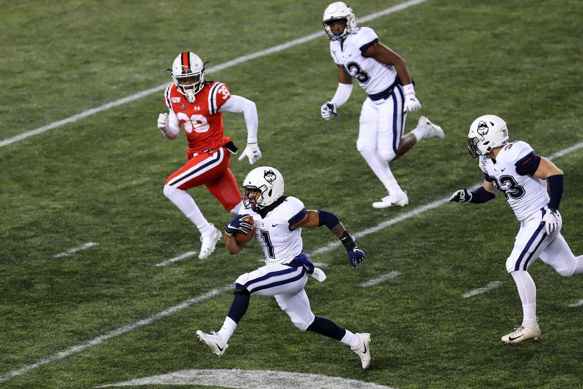 NCAA Football: Connecticut at Cincinnati