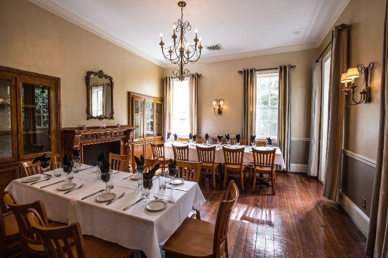 12 Group Dinner Friendly Restaurants In Charleston