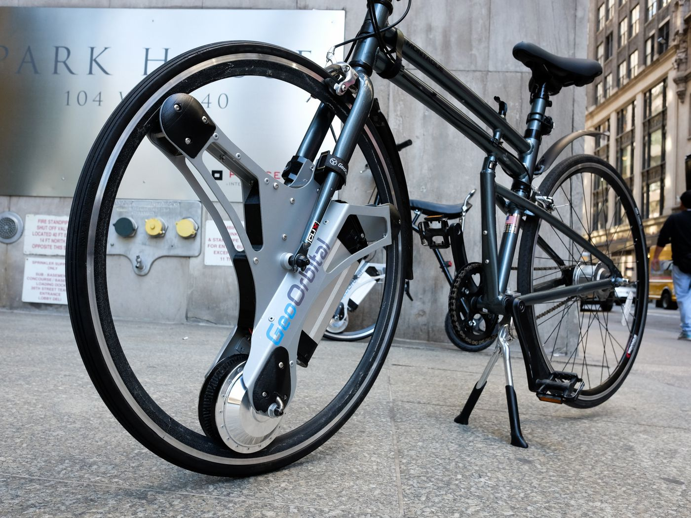 This motorized wheel adds electric power to your bike - The Verge