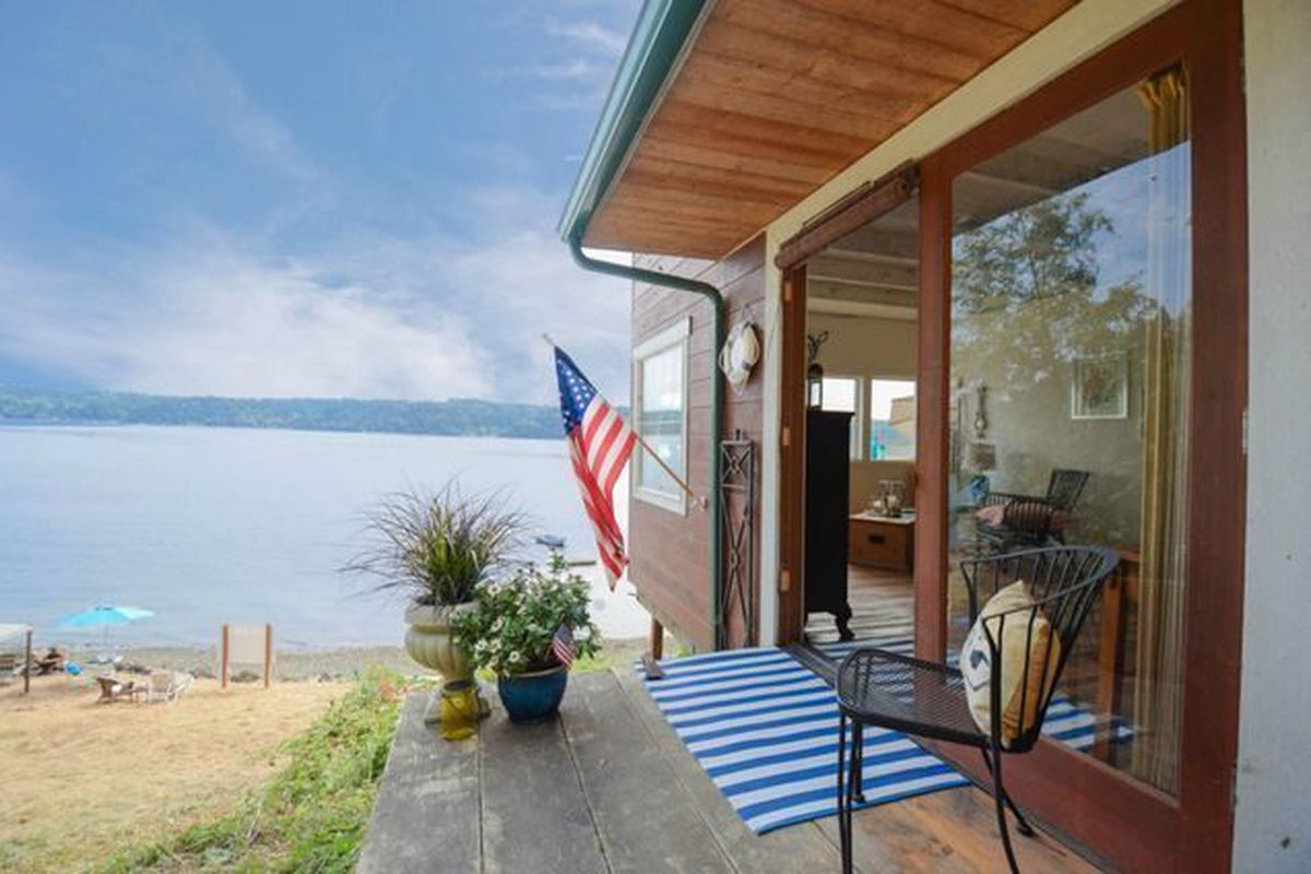 How Bout A 129k Ultra Minimalist Tiny Cabin In Gig Harbor Curbed