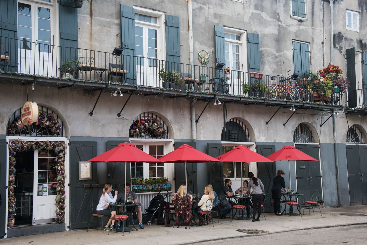 Outdoor dining, French Quarter, New Orleans
