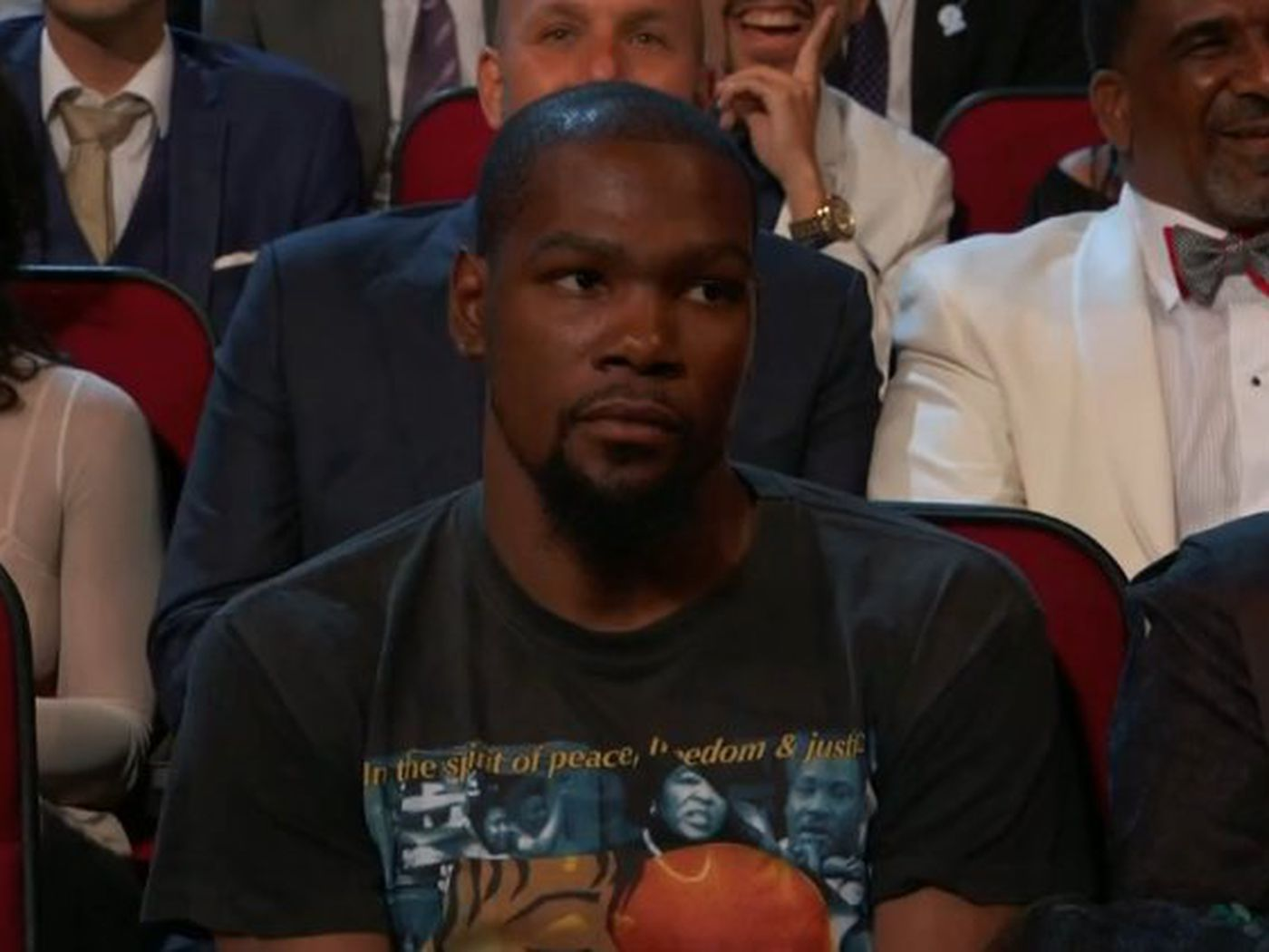 df6b429b3ac3 Kevin Durant was not thrilled when Peyton Manning made a joke about him at  the ESPYs - SBNation.com