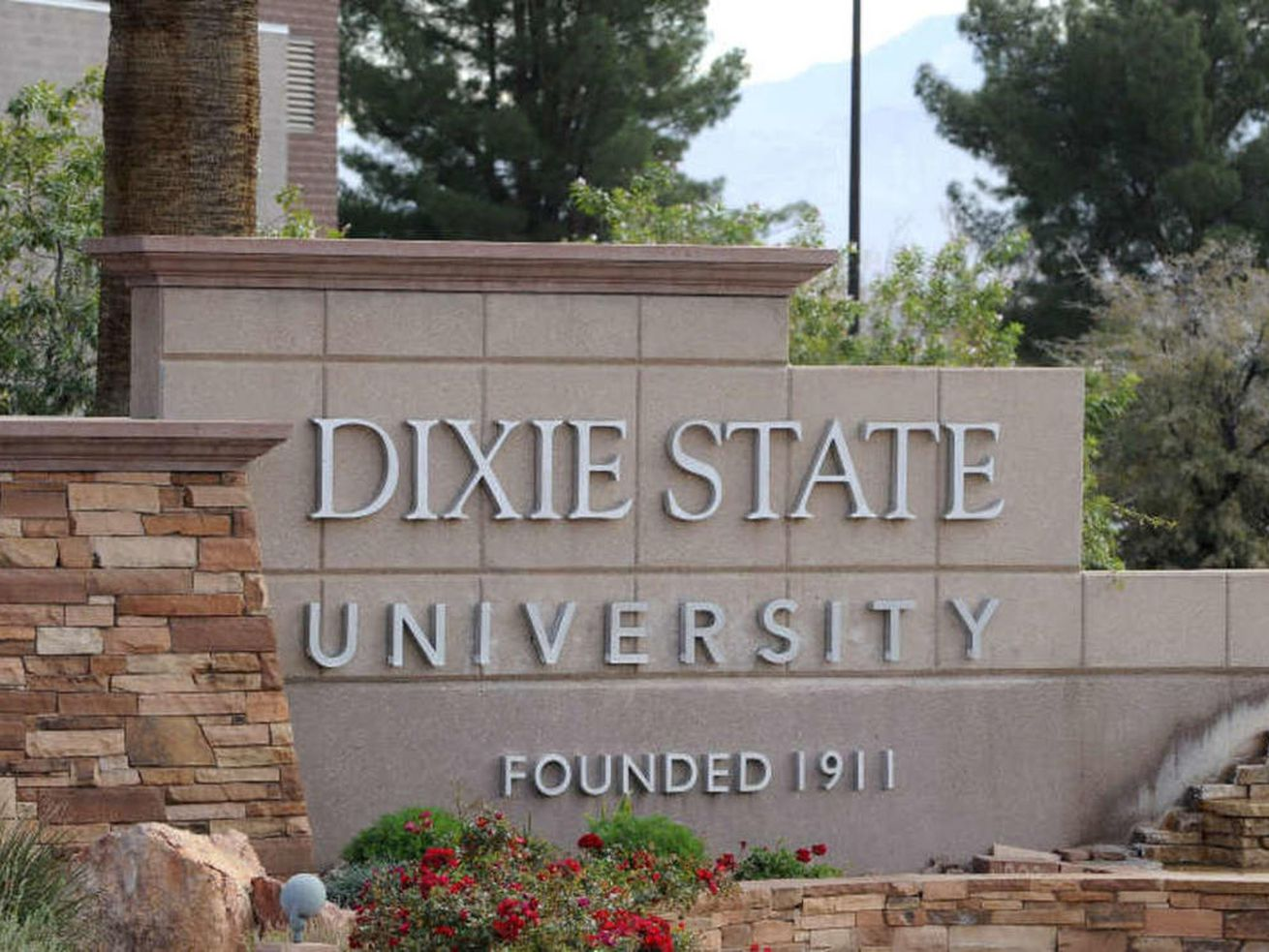 Dixie State student claims online classes are 'sub par' in lawsuit against Utah System of Higher Education