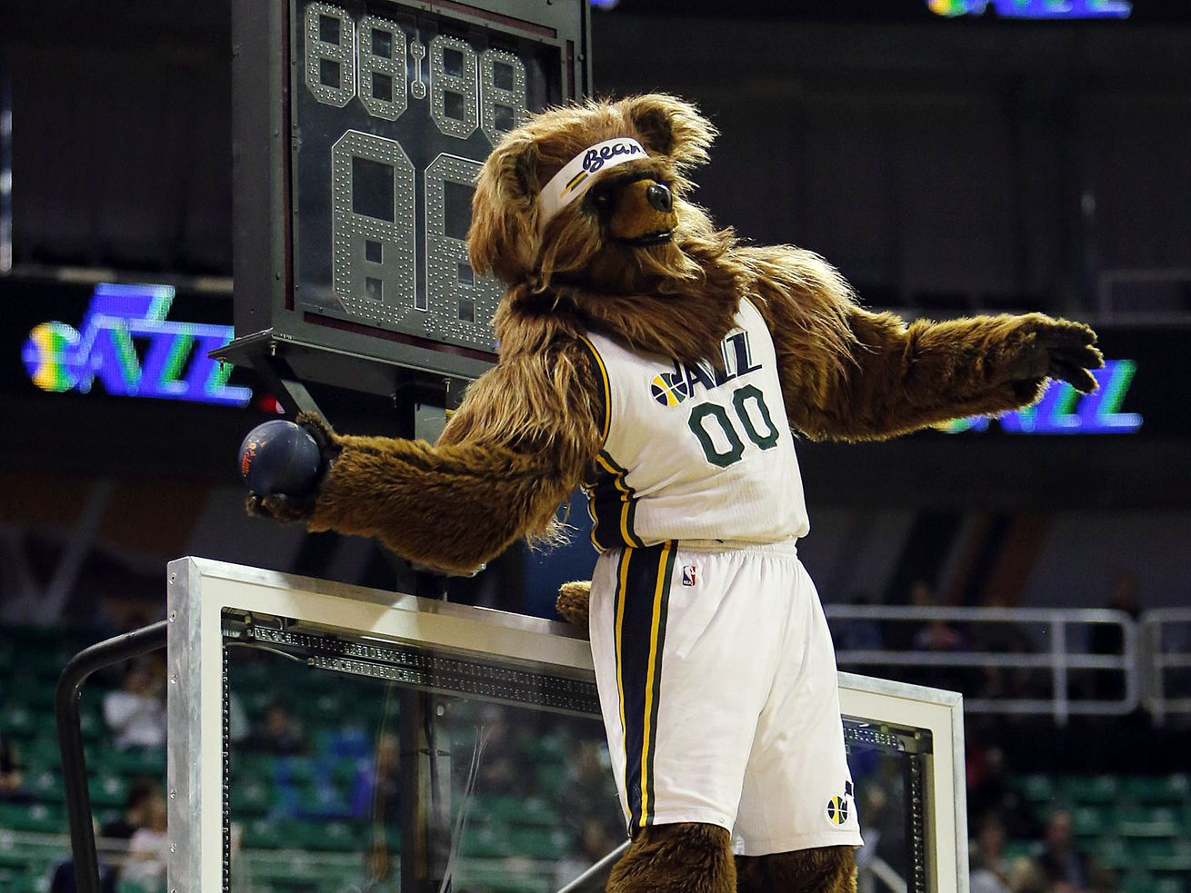 Donald Trump once got dunked on by the Utah Jazz Bear in Salt Lake City. Here's the video