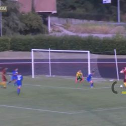 Sassuolo have enough time to adjust and make every pass difficult for Soffia, who loses possession. But Bonfantini wins the ball back and gets fouled, earning Roma a penalty and leading to the Giallorosse's first ever league goal as a club.