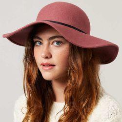 """<b>Topshop</b> Big Felt Floppy Hat in Mulberry, <a href=""""http://us.topshop.com/en/tsus/product/bags-accessories-1702229/hats-70518/felt-hats-71211/big-felt-floppy-hat-2279054?refinements=category~%5b966596%7c208708%5d&bi=1&ps=20"""">$56</a>"""