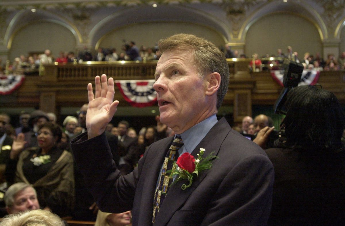 House Speaker Michael Madigan, D-Chicago, takes the Oath of Office, in 2001.