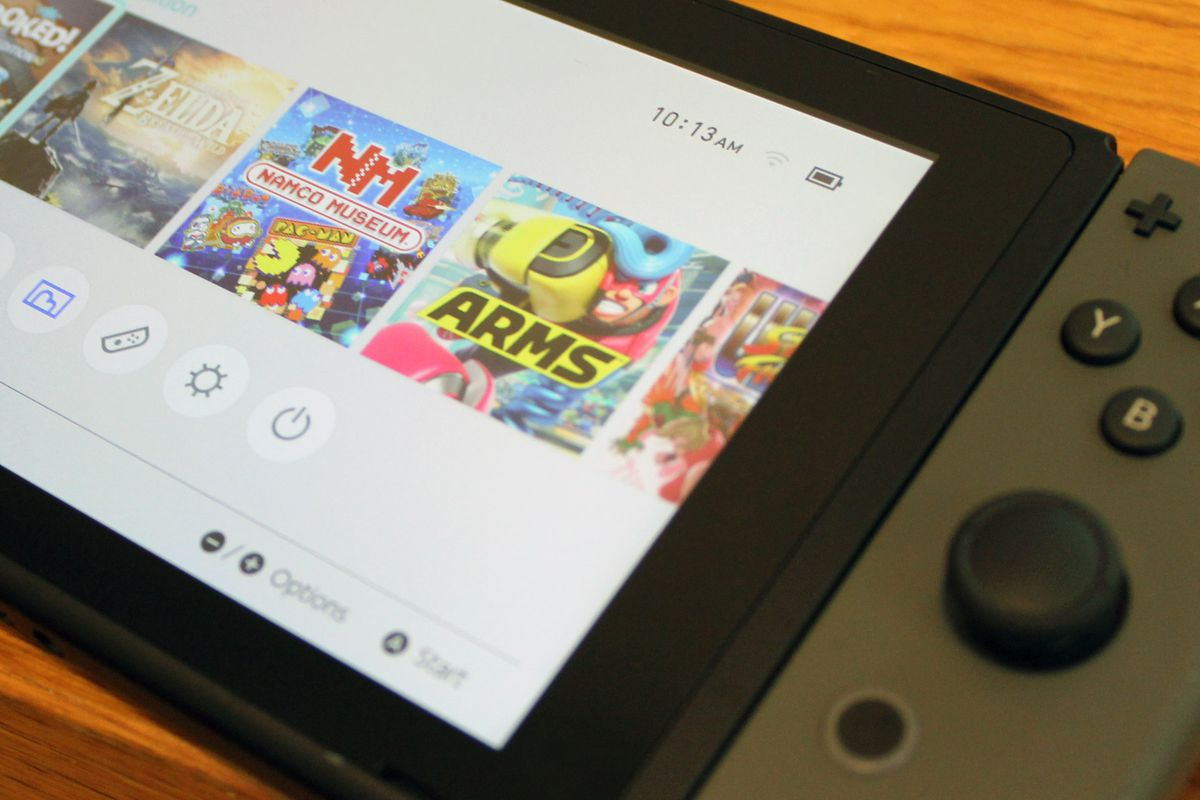 A photo of the Nintendo Switch home screen with its battery charge icon