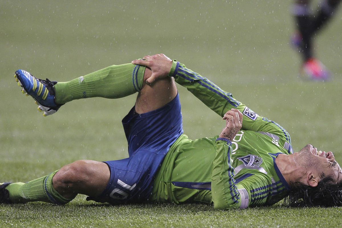 Mauro Rosales has not played a game since spraining his MCL late in a game against DC United on Sept. 17. The Sounders hope he'll be back by Tuesday. (Photo by Otto Greule Jr/Getty Images)