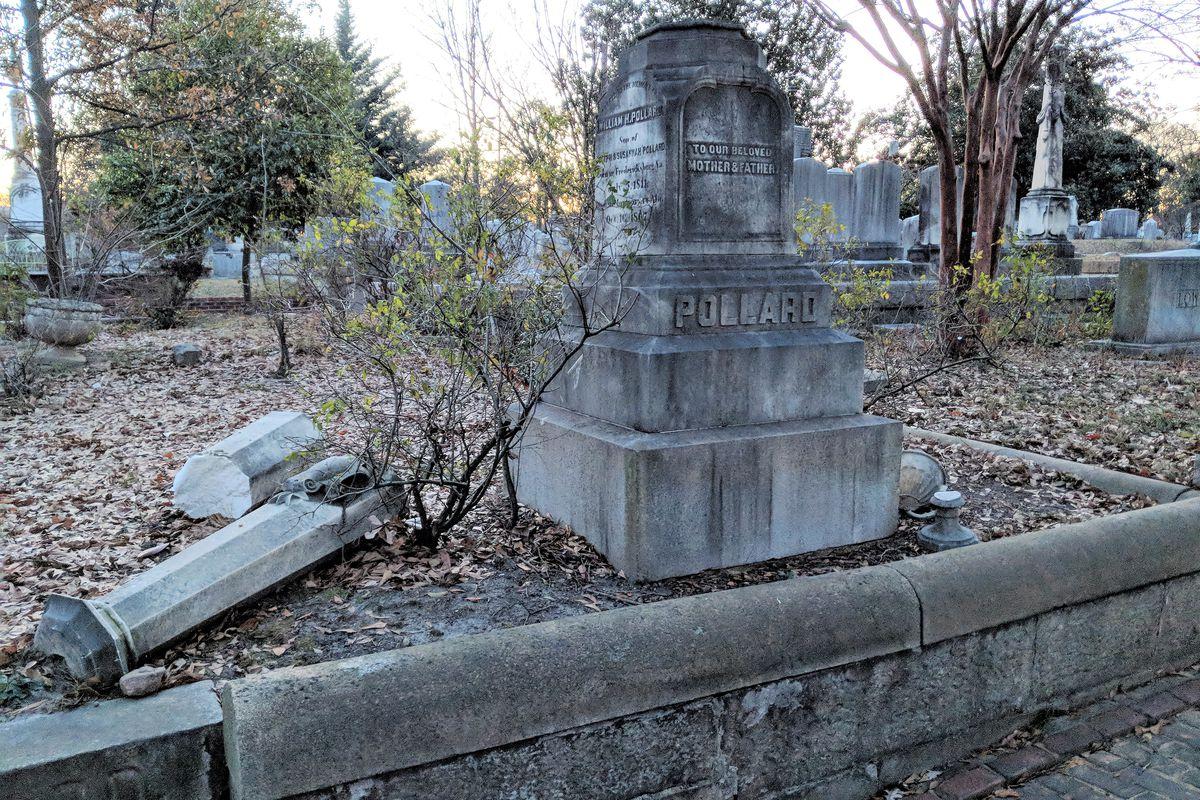 a picture of a broken obelisk