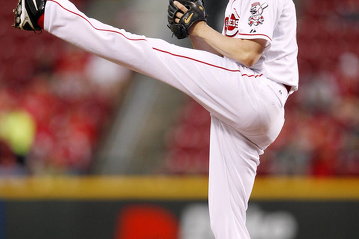 Here's Bronson Arroyo, and his signature pitching motion.