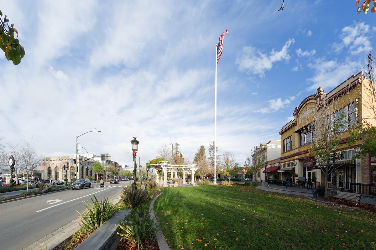 Only Four Bay Area Cities Beat California S Median Rent