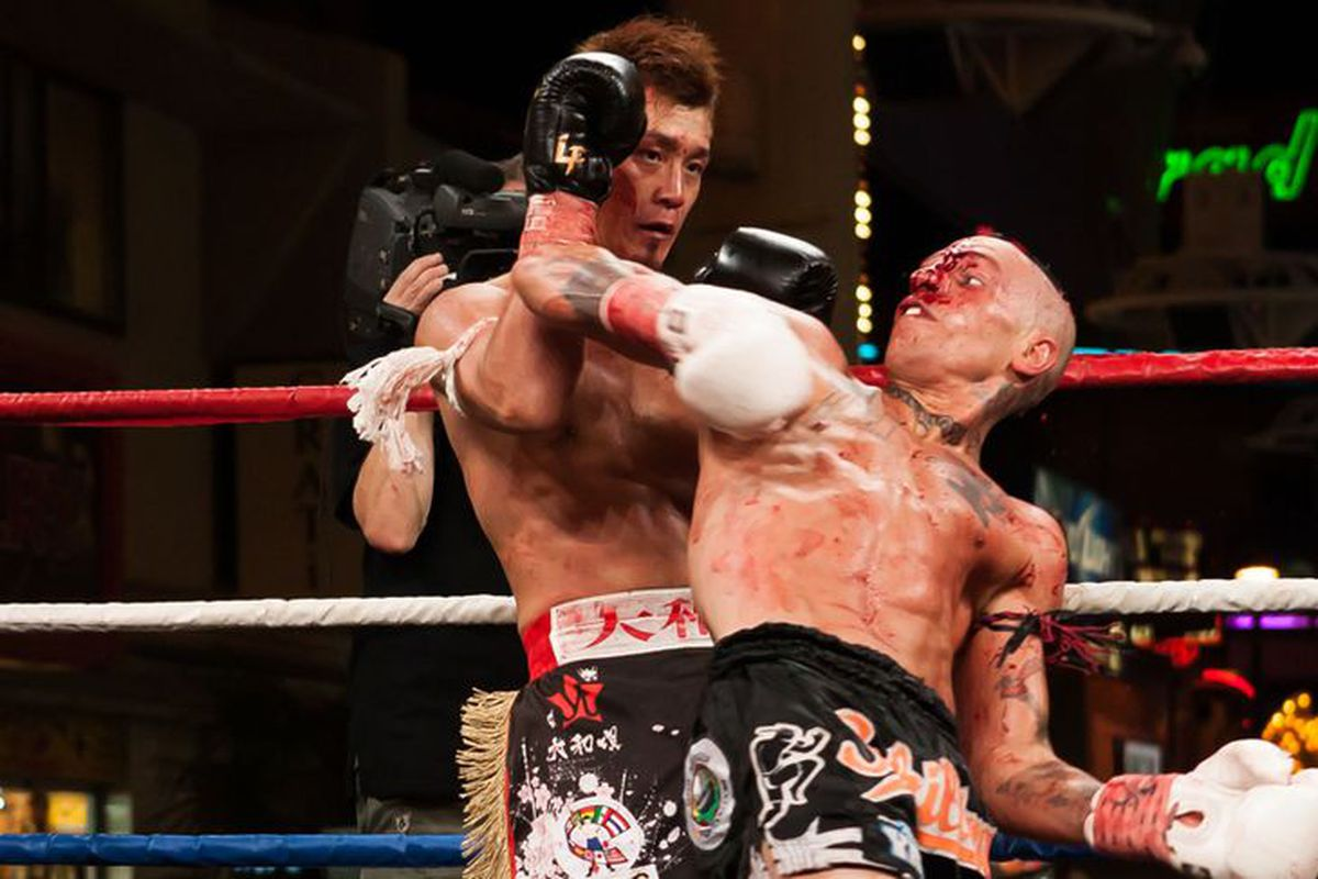 Kevin Ross attempts a spinning elbow vs. Tetsuya Yamato at Lion Fight 11