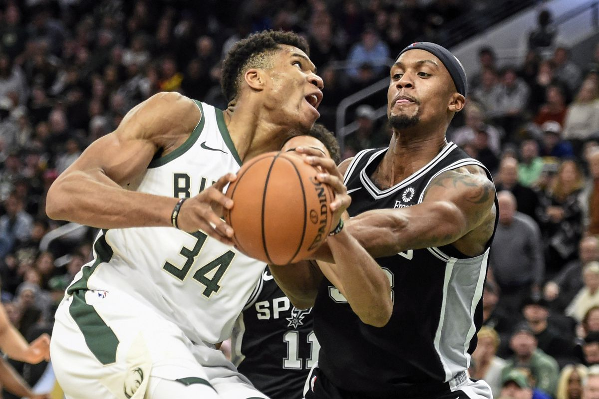 NBA: San Antonio Spurs at Milwaukee Bucks
