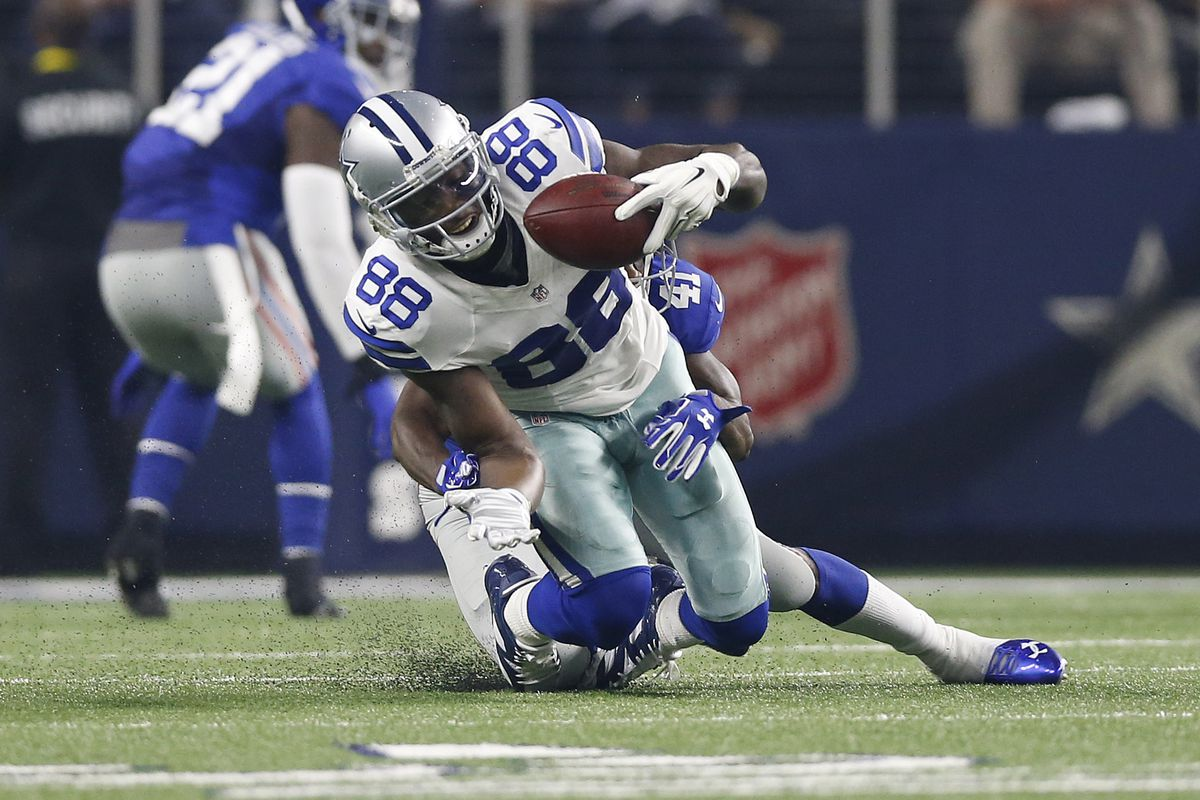 Dez Bryant Is Out 6 8 Or 10 12 Weeks Depending On Who You