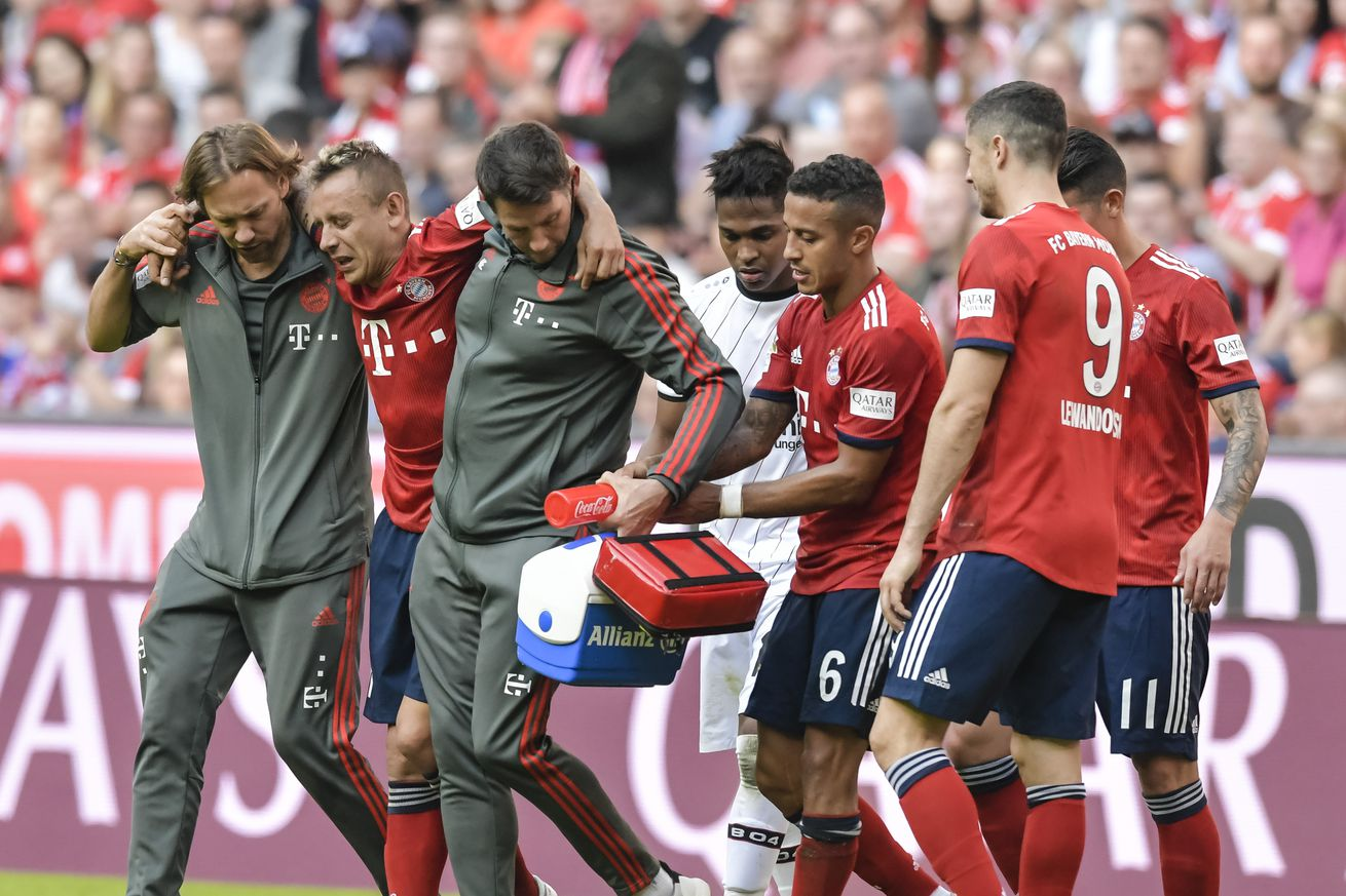 Rafinha leaves Bayern Munich match with injury after hard tackle