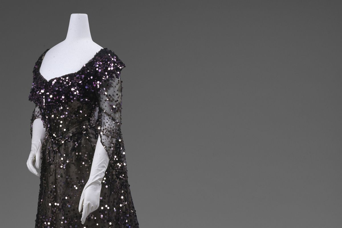Evening dress, 1902. All photos courtesy the Met.