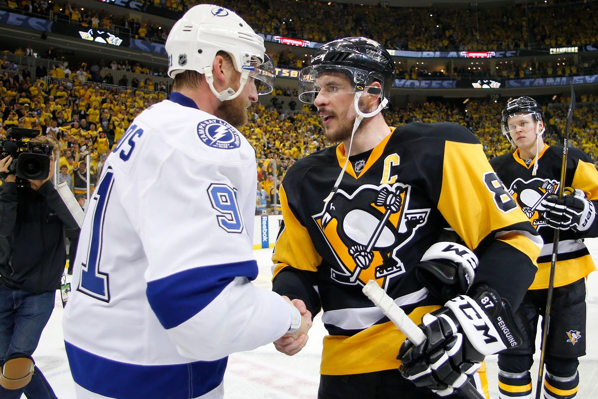 Steven Stamkos 91 Of The Tampa Bay Lightning Congratulates Sidney Crosby 87 Pittsburgh Penguins After Defeating In Game