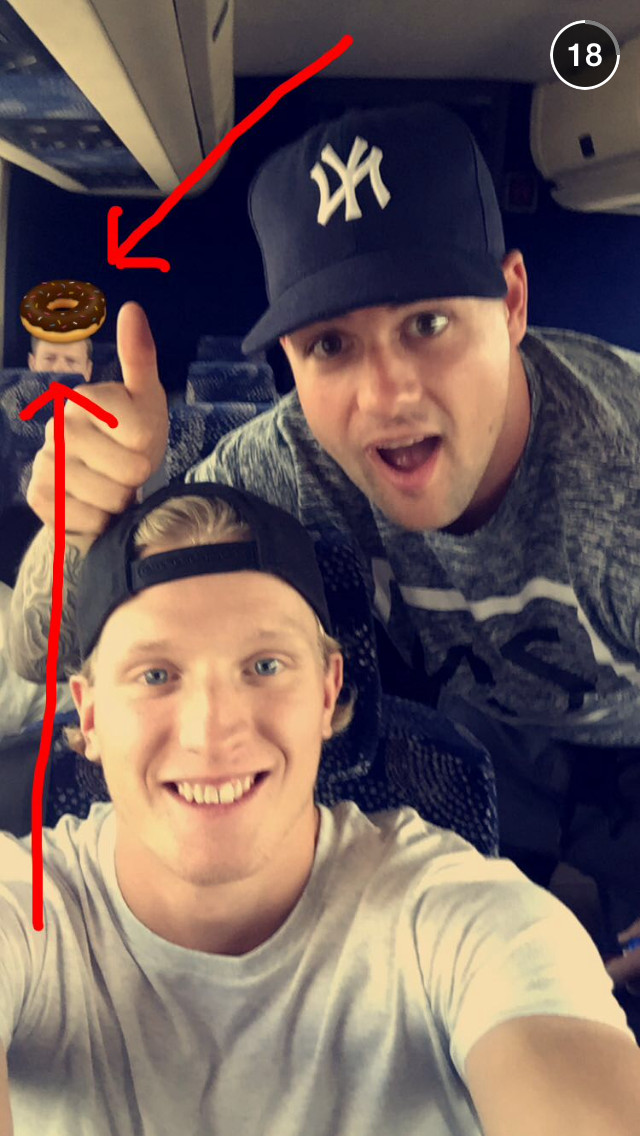Jamie Benn and John Klingberg love donuts