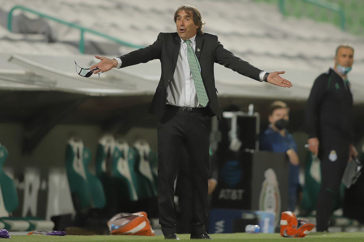 Guillermo Almada's Santos Laguna's strength lies in their ability to defend well and counterattack.