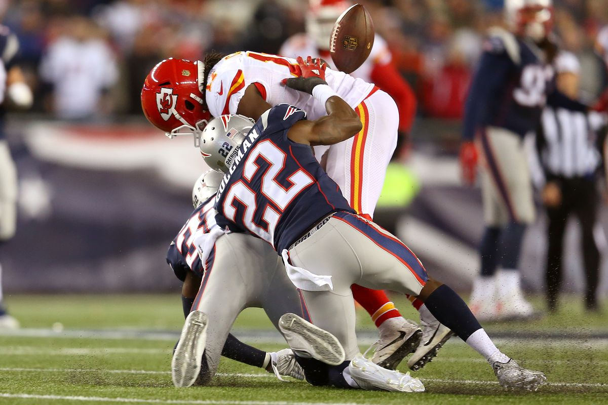 Justin Coleman helps Chiefs' receiver look for the ball