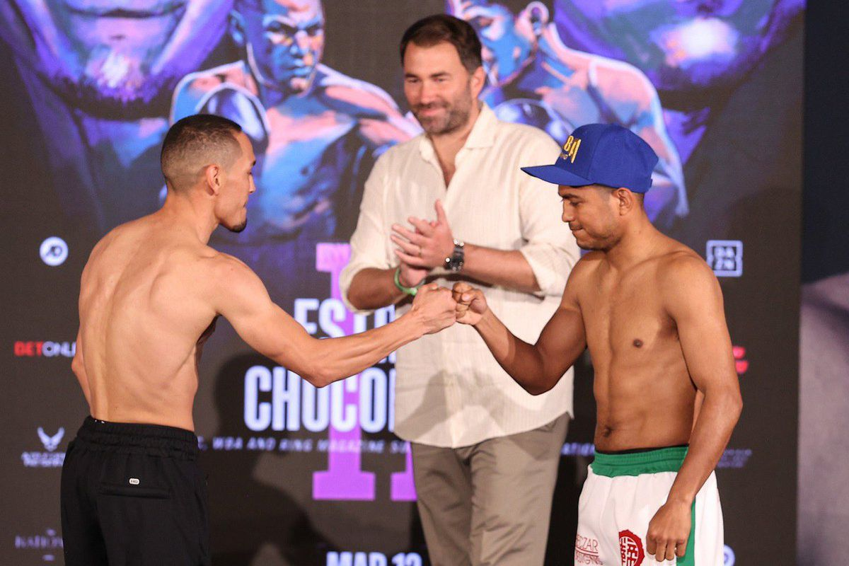 Roman Gonzalez (right) and Juan Francisco Estrada (left) faceoff at the weigh-ins ahead of their March 13th bout in Texas.
