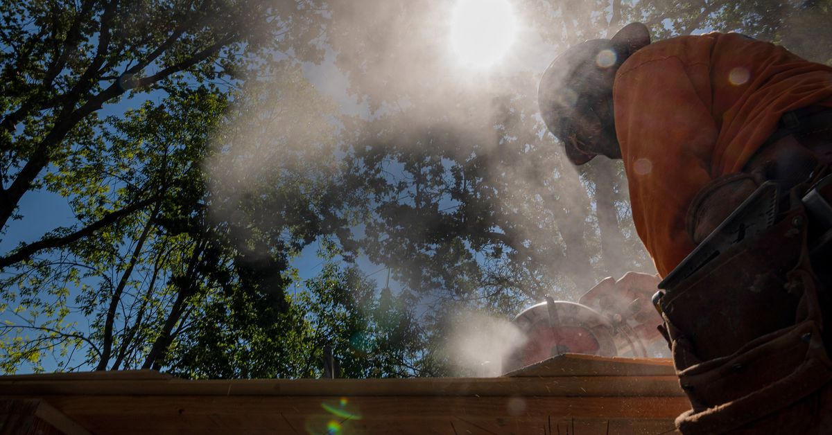Extreme heat prompts new rules to protect US workers